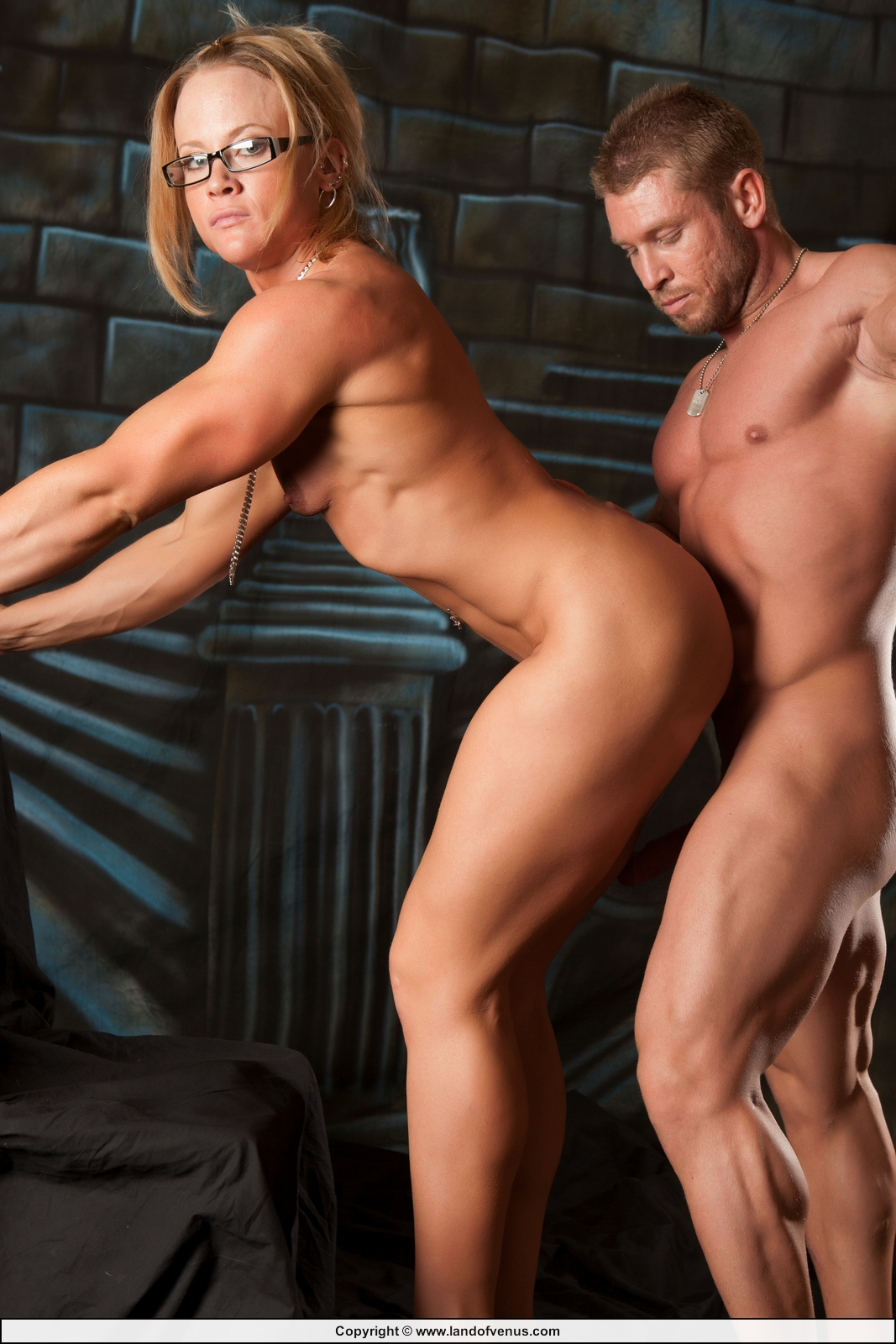 Everything. Sexy female bodybuilding mude
