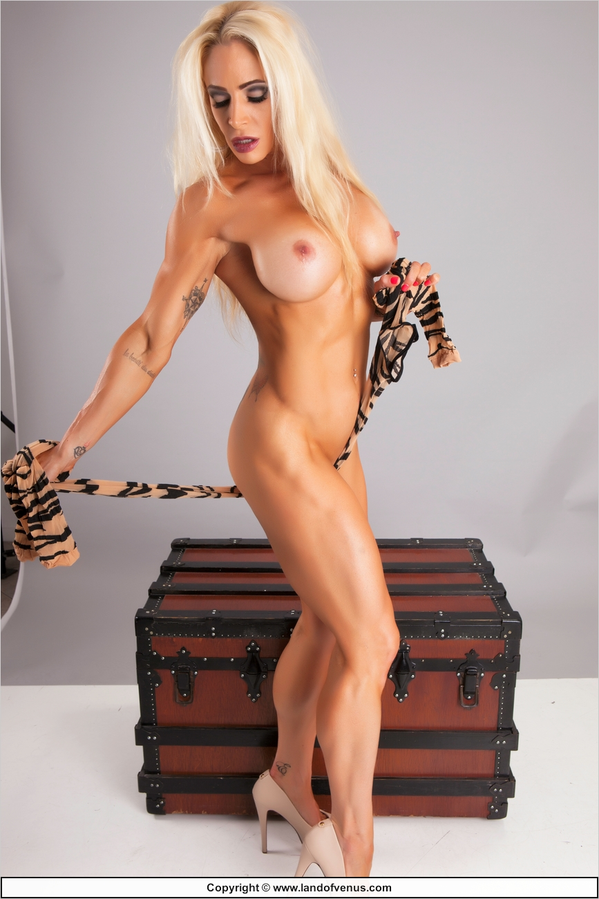 muscle women porn pic