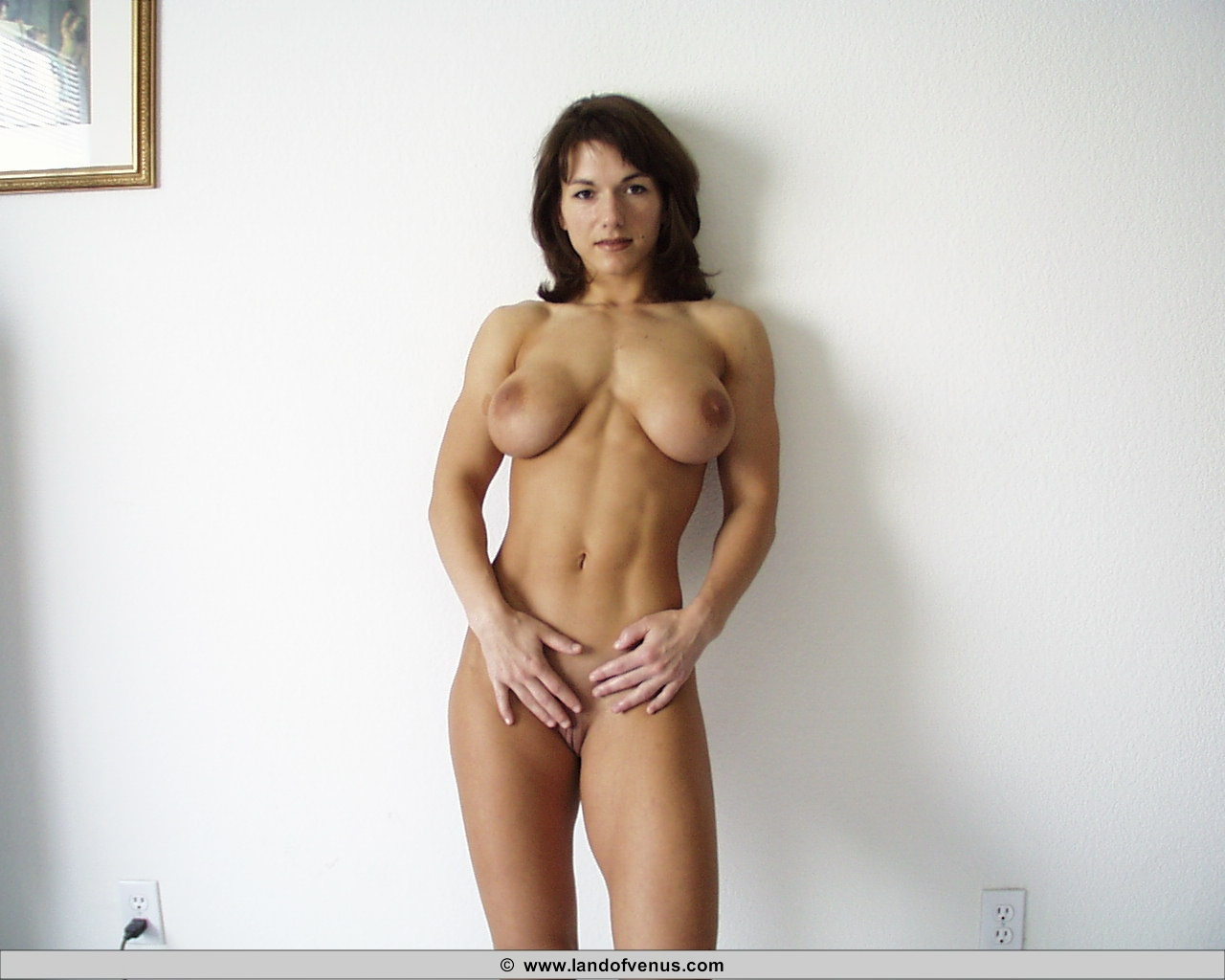 weights nude lifting